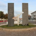 Estatua - homenagem aos dois patrimonios mundiais (Cópia)
